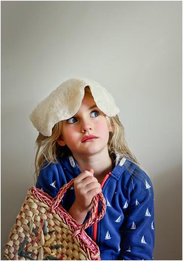 16 PORTRAIT OF A CRAZY LITTLE SHOPPER by Annik Pauwels