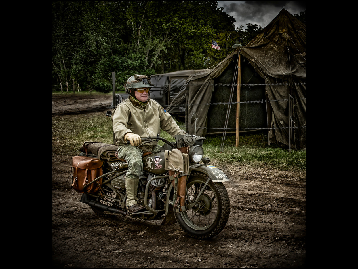 16 GI DISPATCH RIDER by Mick Dudley