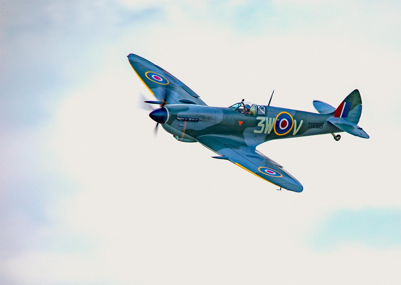 17 SPITFIRE IN FLIGHT by Philip Easom.
