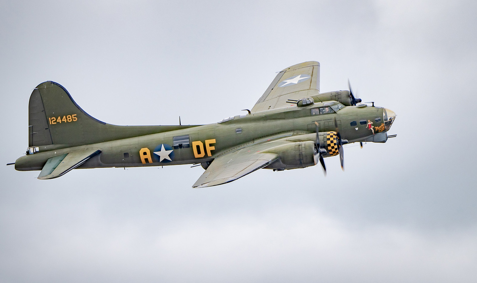 15 BOEING B17G MEMPHIS BELLE by Roger Wates