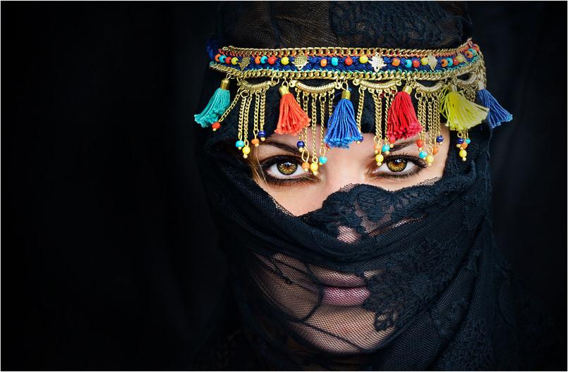 17 MOROCCAN GIRL by Annik Pauwels
