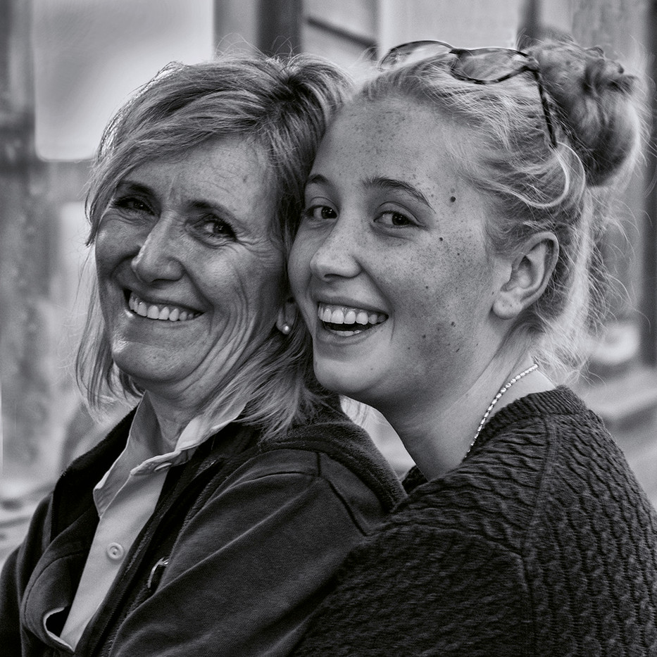 15 (PRINT) MOTHER AND DAUGHTER by Colin Burgess