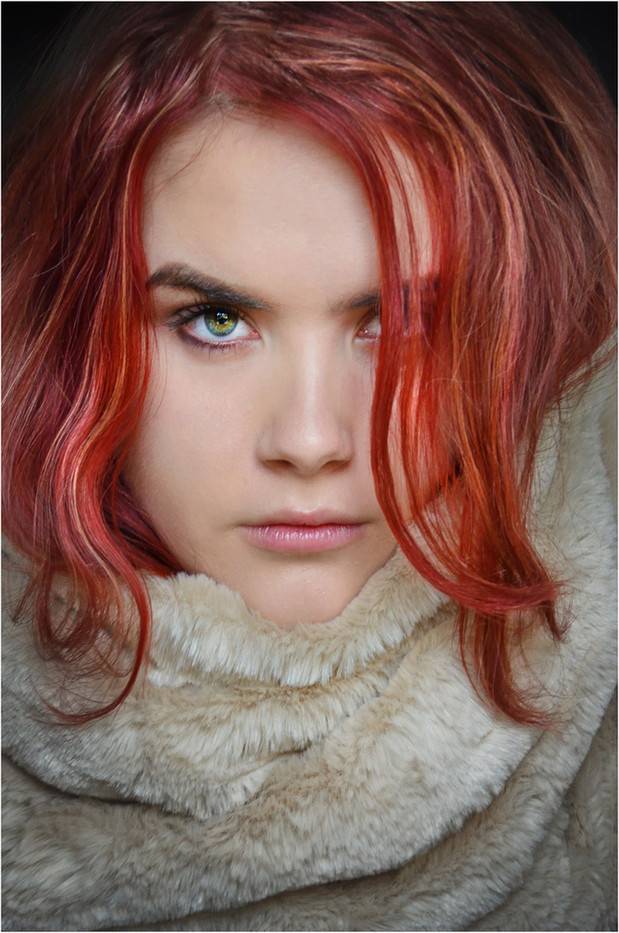 17 RED STEPHANIE by Annik Pauwels