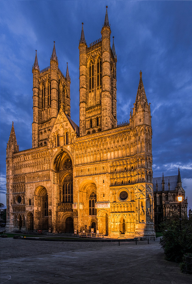 17 LINCOLN CATHEDRAL by Philip Smithies