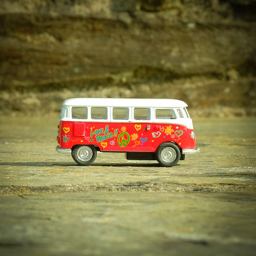 18 THE CLASSIC CAMPERVAN by Colin Smith