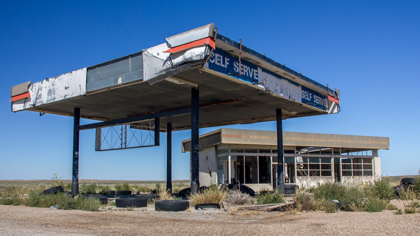16 AN ABANDONED GAS STATION IN NEW MEXICO by Colin Smith