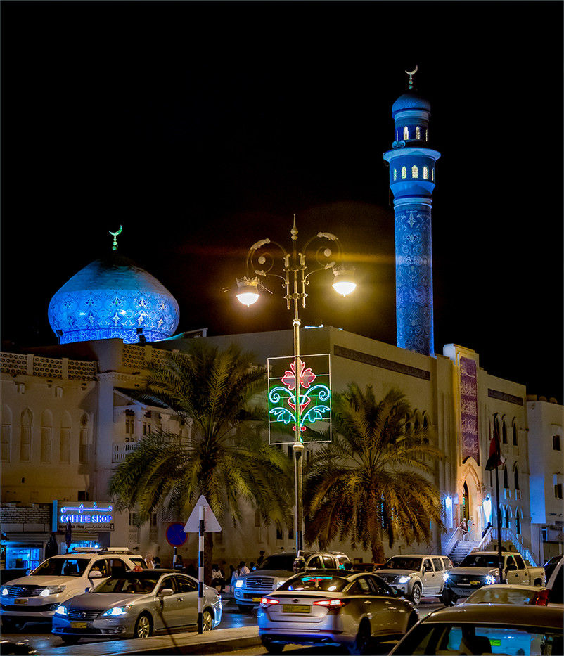 16 MUTRAQ CORNICHE AFTER FRIDAY NIGHT PRAYERS by David Peek