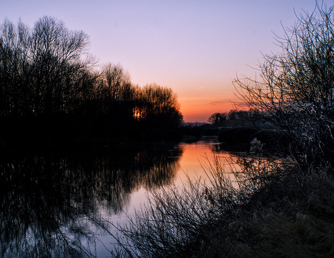 15 MEDWAY SUNSET by Steve Oakes