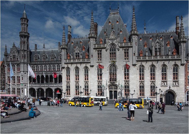 20 THE STADHUIS (TOWN HALL) by Jacky Bunyan