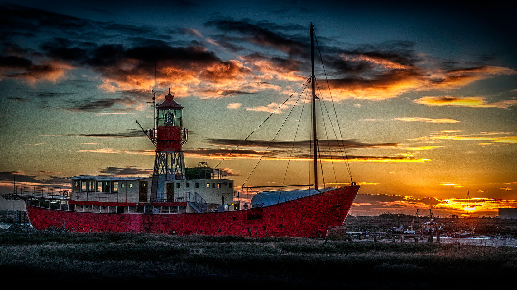 16 TOLLESBURY LIGHT by Steve Oakes
