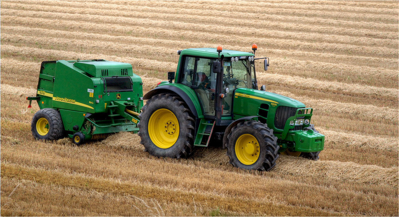 16 JOHN DEER 6380 PREMIUM TRACTOR AND 578 BALER by Dave Brooker
