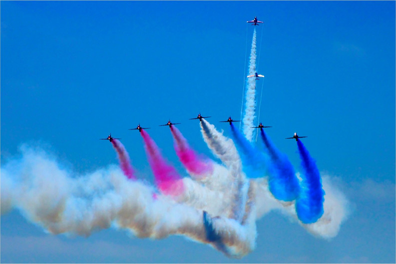 18 RED ARROWS AT AIRBOURNE 2016 by Dave Brooker