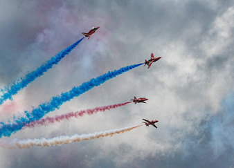 18 THE RED ARROWS by John Butler