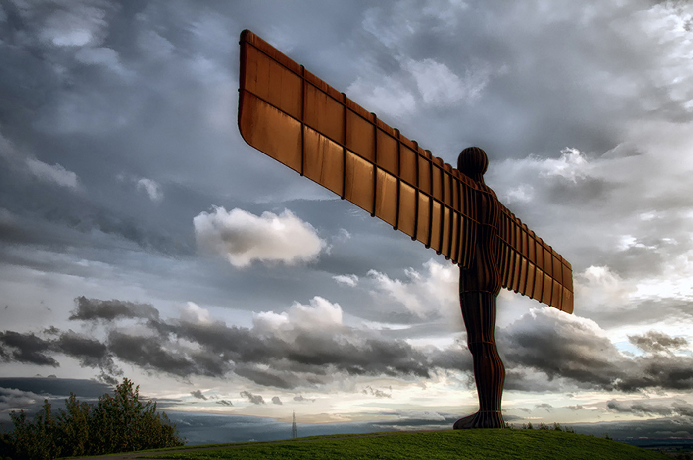 18 ANGEL OF THE NORTH - GATESHEAD by Ann Paine