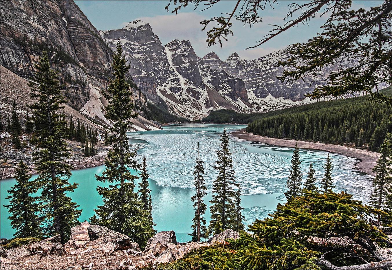 GROUP 1 18 LAKE LOUISE CANADA by Graham Bunyan