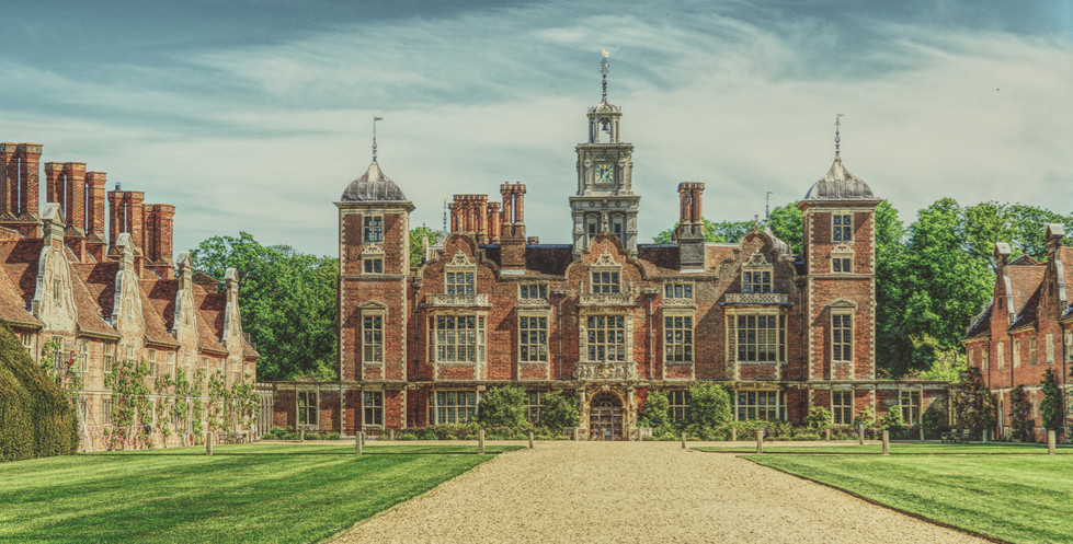 17 BLICKLING HOUSE by Gordon Quinnell