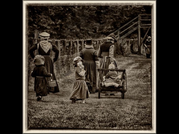 18 TUDOR FAMILY OUTING by Mick Dudley