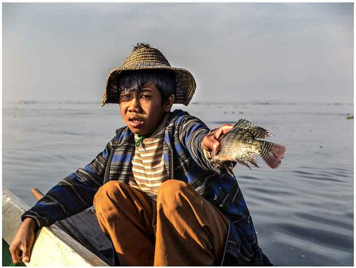 16 FISH SELLER by David Parkinson