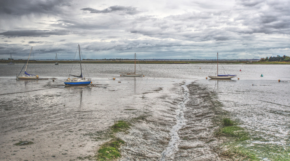 16 LOW TIDE AT HEYBRIDGE by Gordon Quinnell