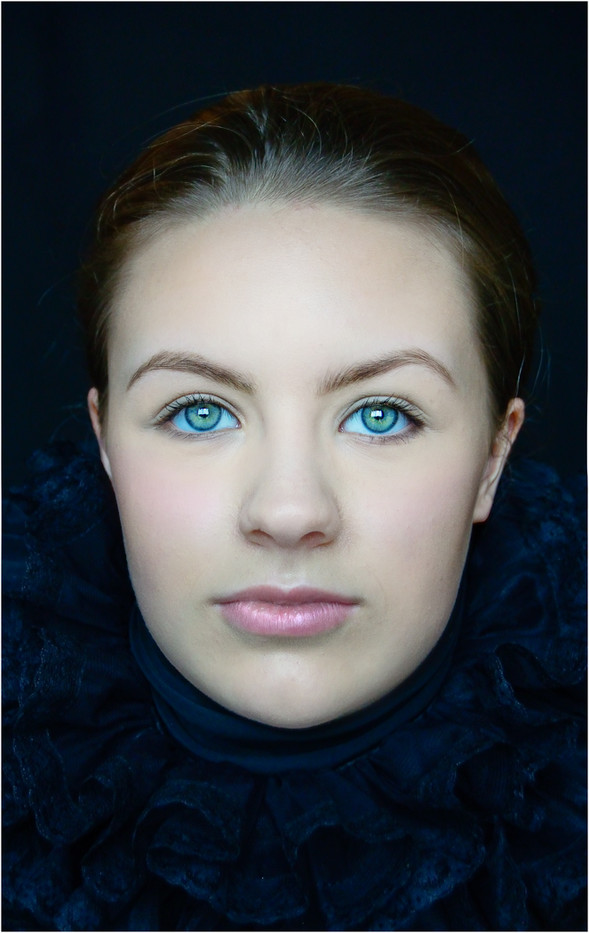 16 ANNA GREEN EYES by Annik   Pauwels