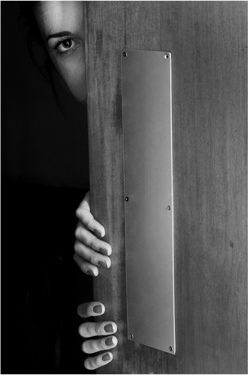16 THE DARK DOORWAY by Richard  Ames