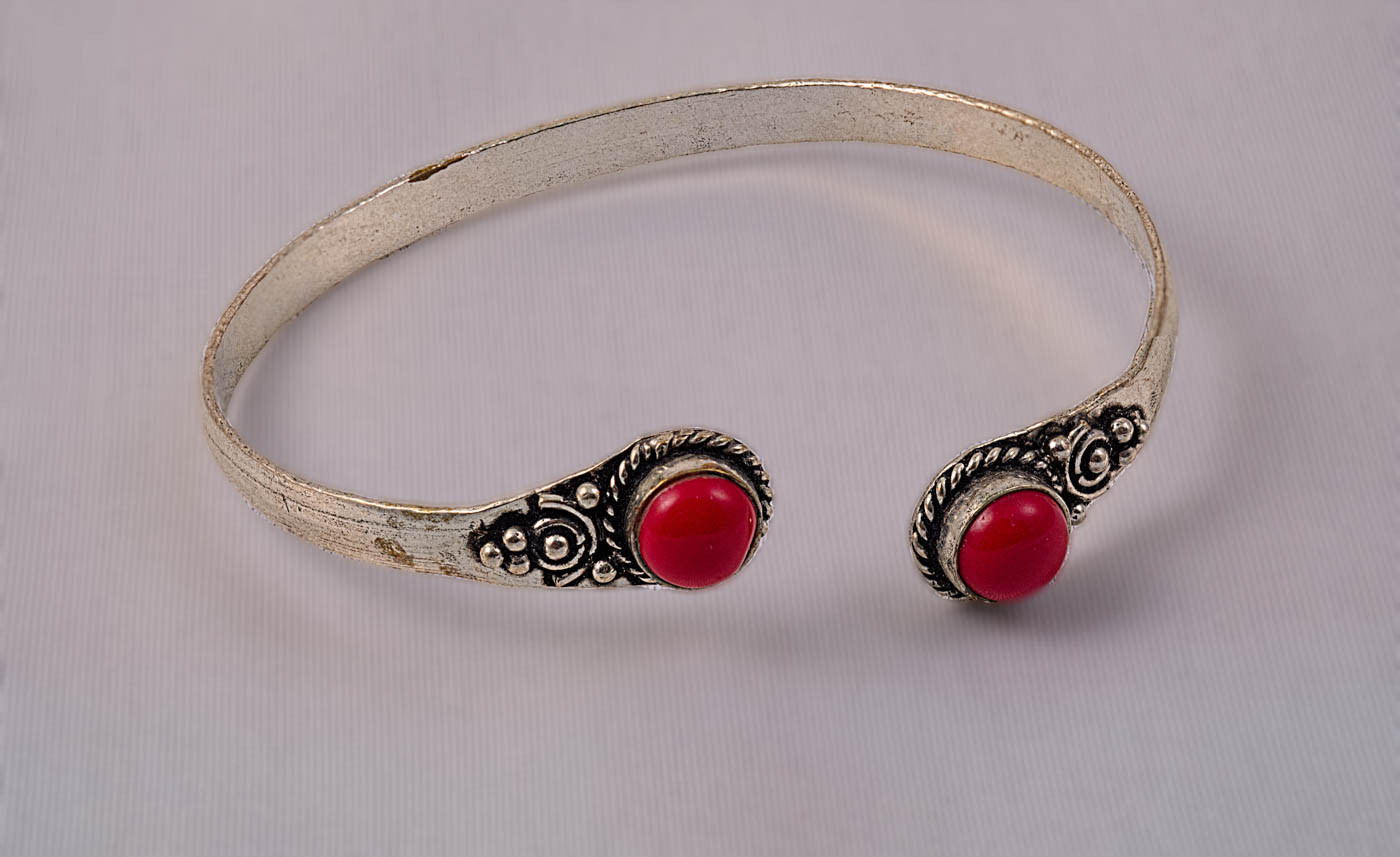 16 OLD BRACELET WITH CORAL STONES By Tony Hill