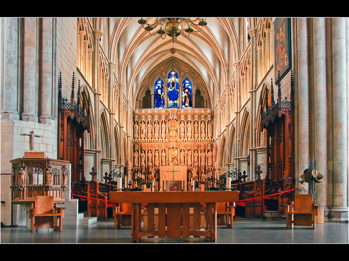 14 THE CHOIR - FROM THE CROSSING - SOUTHWARK CATHEDRAL by Swales Parry