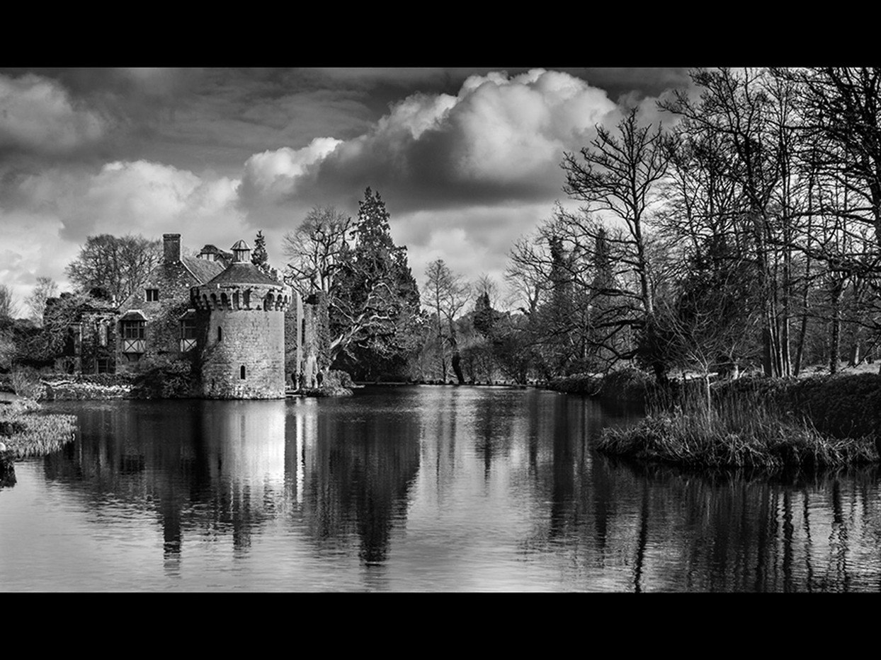 Group 2 18 WINTER AT SCOTNEY CASTLE by Jon West