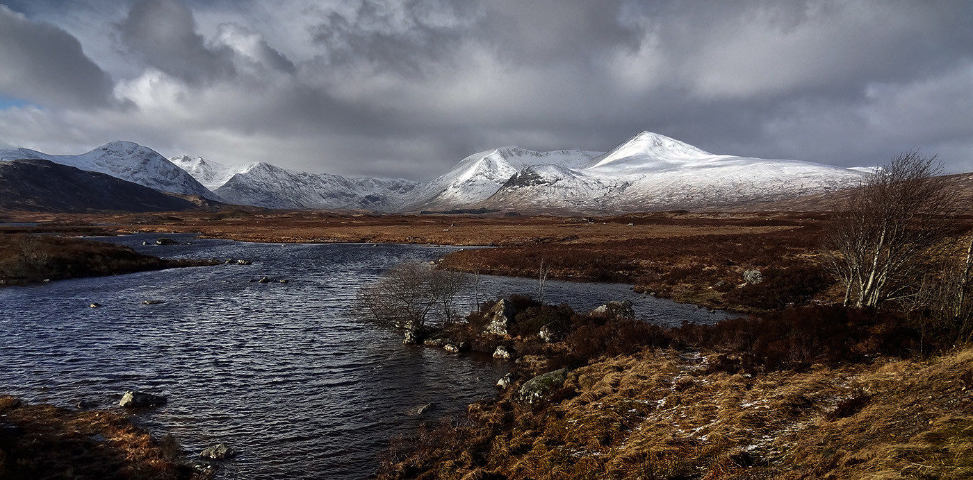 GROUP 1 16 TOWARDS RANNOCH MOOR by Peter Tulloch