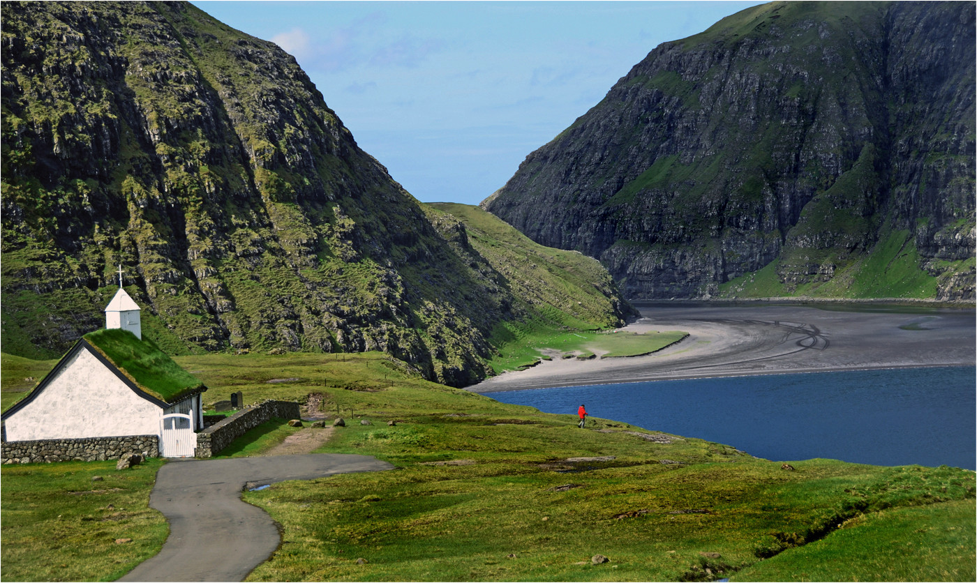 17 A SUNNY DAY IN THE FAROES by Joan Gow