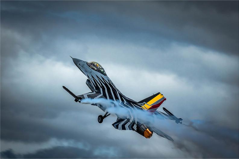 18 F16 ON TAKE OFF by David Peek