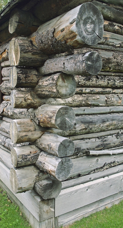 15 LOG CABIN CONSTRUCTION DETAIL by Ron Gaisford