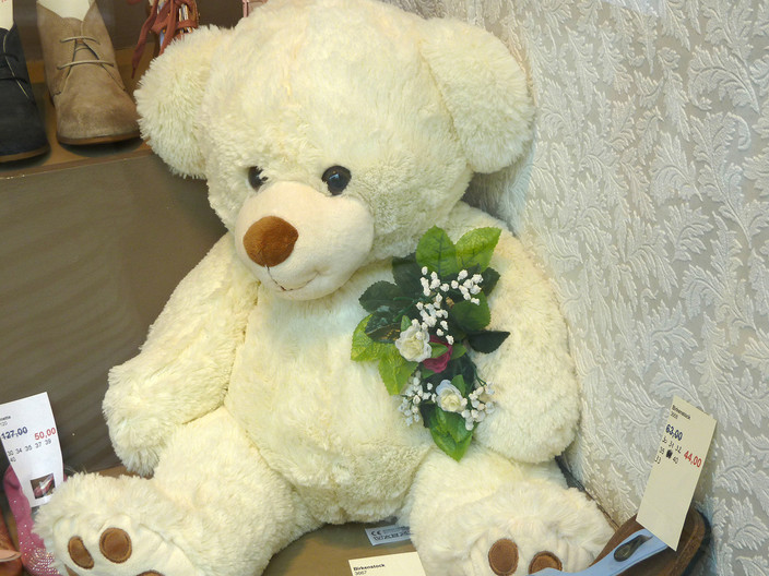 17 BRUGES TEDDY by Brenda Whiston