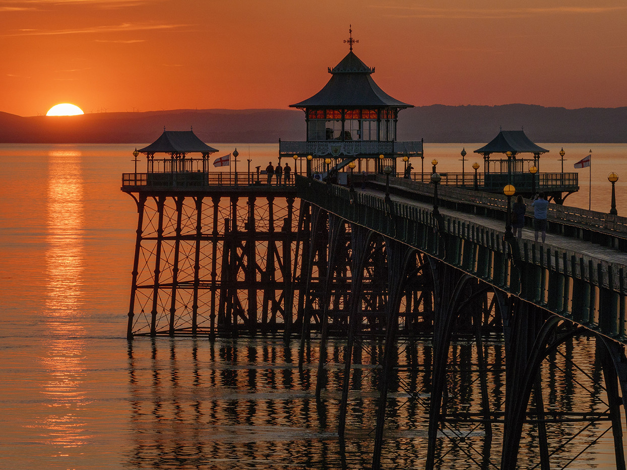 19 SUNSET AT CLEVEDON by Peter Tulloch