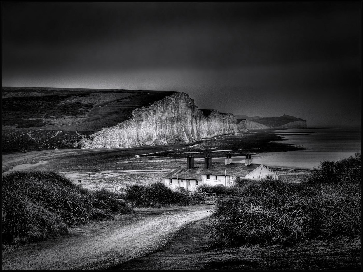 GROUP 1 19 A GREY DAY AT SEVEN SISTERS by Mick Dudley
