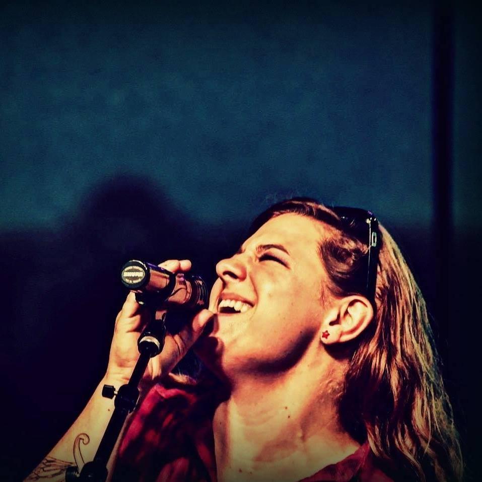 Hannah Singing