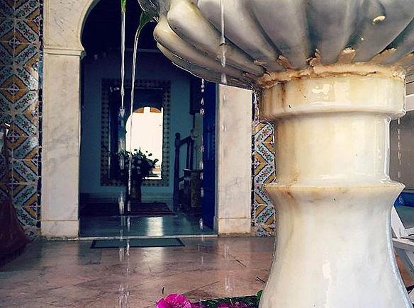terrasse et fontaine du bon vieux temps