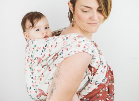De l'intérêt de porter son bébé dès la naissance