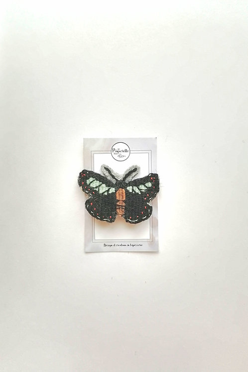 broche papillon noir