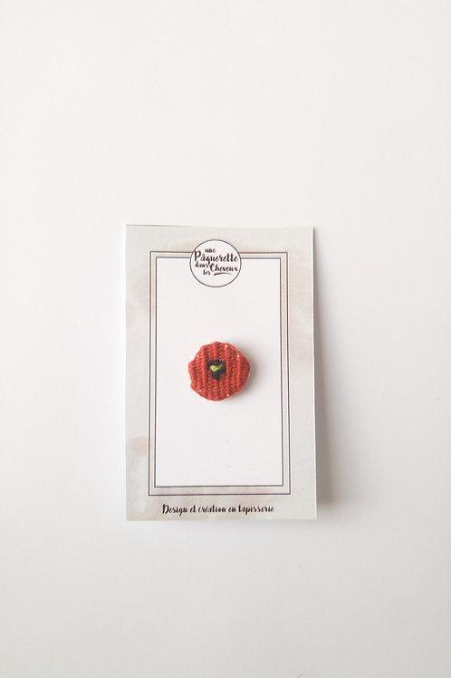 Pin's poppy rouge