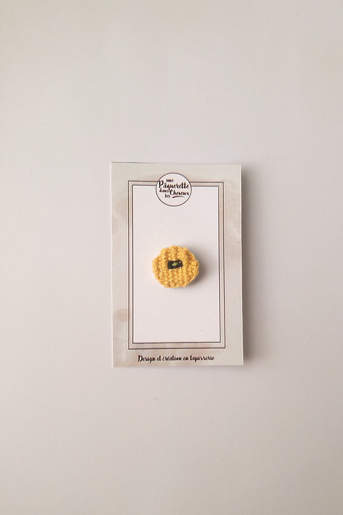 Pin's poppy jaune