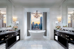 ST REGIS: SUITE BATHROOM