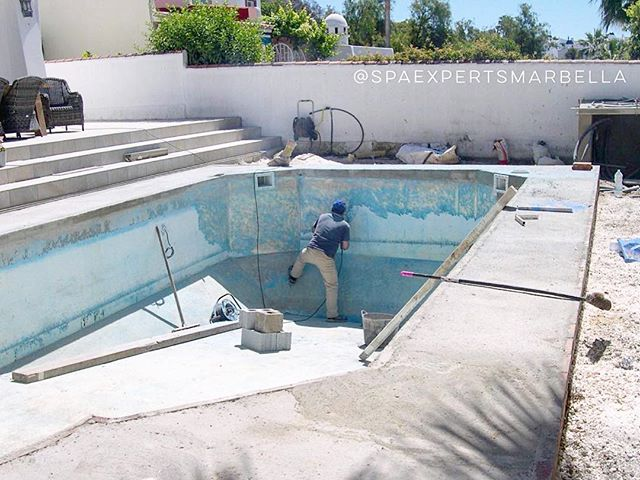Es hora de seguir trabajando en la restauración de la piscina de nuestro cliente