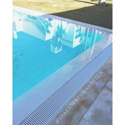 Construccion de piscina de rebosadero para uno de nuestros client