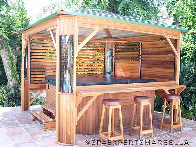 instalación de spa-jacuzzi con un gazebo en madera