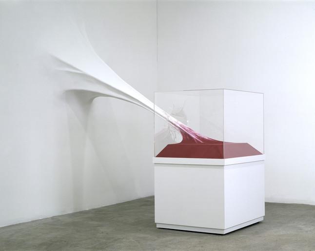 John von Bergen  Anti-Precious Moment, 2001MDF, gessio, acrilico, flockin e tinta de parede 275 x 120 x 245 cm Coleção Kunstmuseum Stuttgart