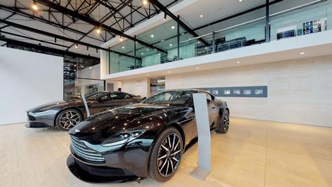 Aston Martin:  Arnold Kontz