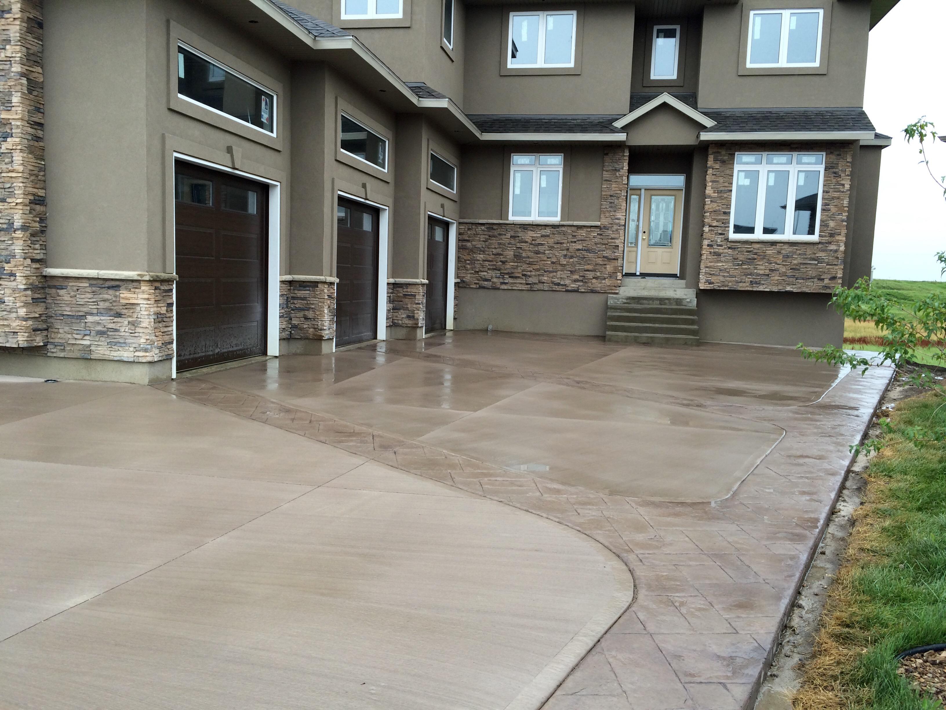 2500 sq ft custom driveway