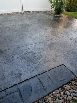 Stamped concrete patio with borders