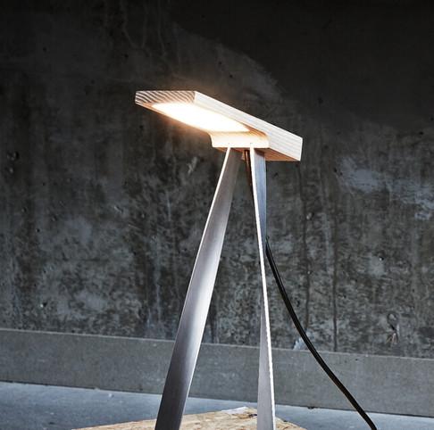 LS1 - Desk Lamp